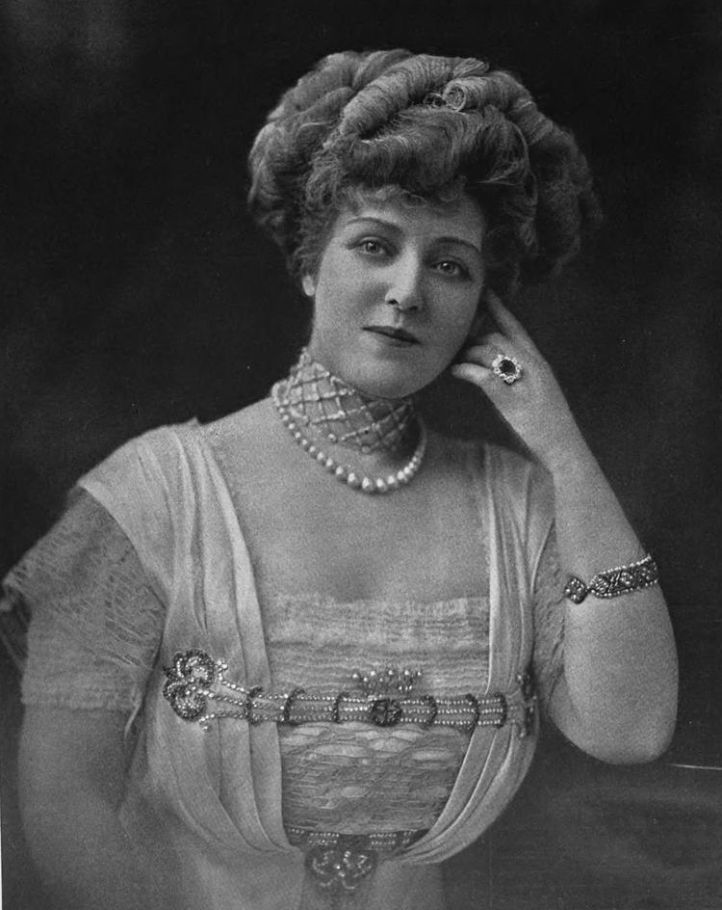 790px-Lillian_Russell_002