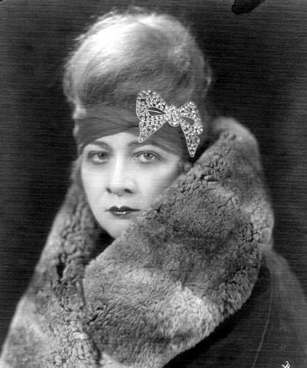sophie-tucker-portrait-2-mt-g1-e27