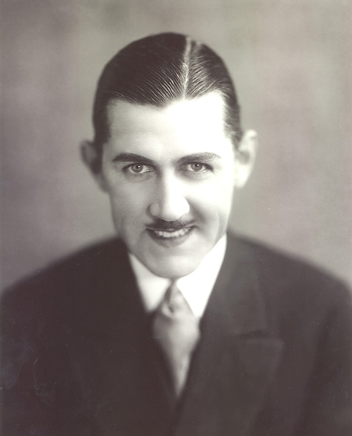 13. Charley Chase0001
