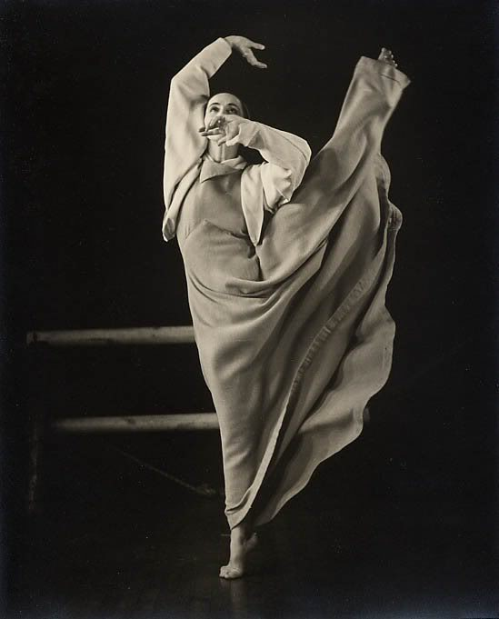 https://travsd.files.wordpress.com/2011/05/marthagrahamfrontier1935-barbaramor.jpg