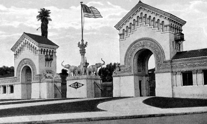 Entrance to Selig's Zoo
