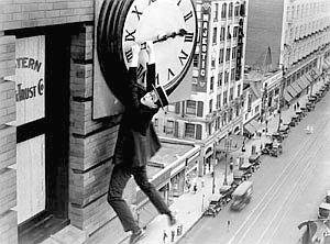 harold-lloyd-in-safety-last-1924