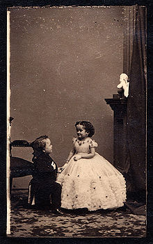 220px-George_Washington_Morrison_Nutt_and_Minnie_Warren