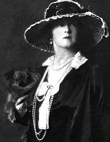 220px-LadyDuffGordon-1919