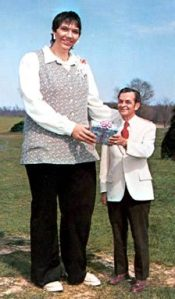 most-tallest-women-sandy-allen