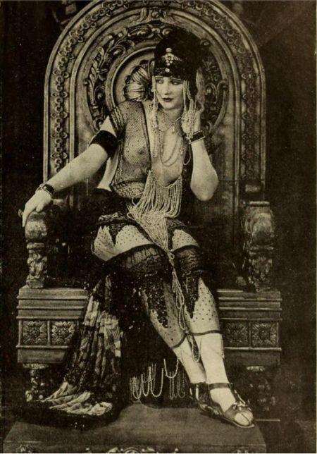 Blythe as the Queen of Sheba