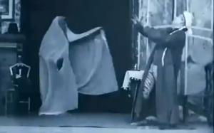 scrooge-marleys-ghost-1901-british-film-institute-christmas-carol-silent-film-cinema-history-charles-dickens-fright-sleeping-cap-scare-scary-video-photo