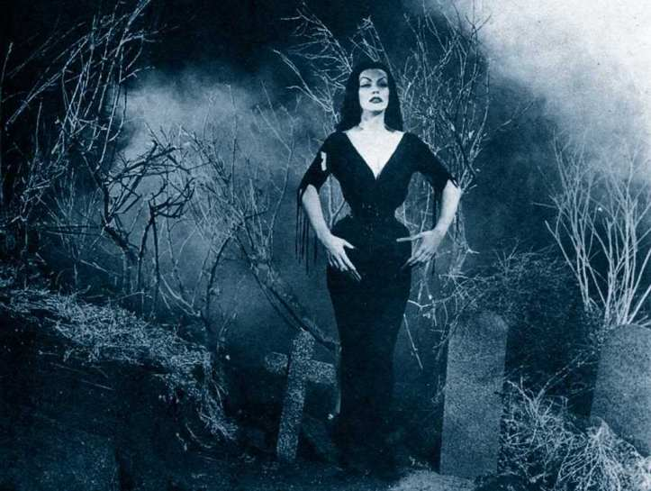 vampira_plan-9_from_outer-space
