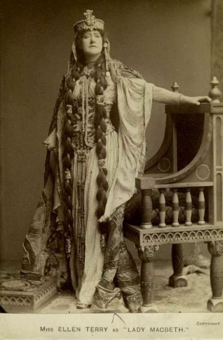 Miss-ellen-terry-as-lady-macbeth1