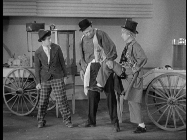 1933-duck-soup-chico-and-harpo
