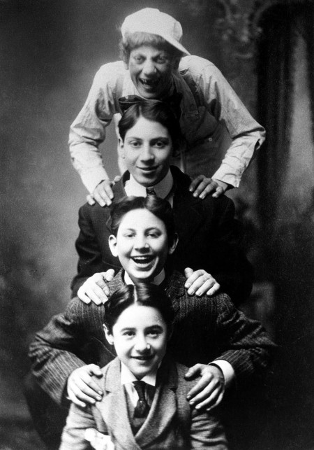marx-brothers-groucho-harpo-gummo-lou-levy-four-nightingales-1909
