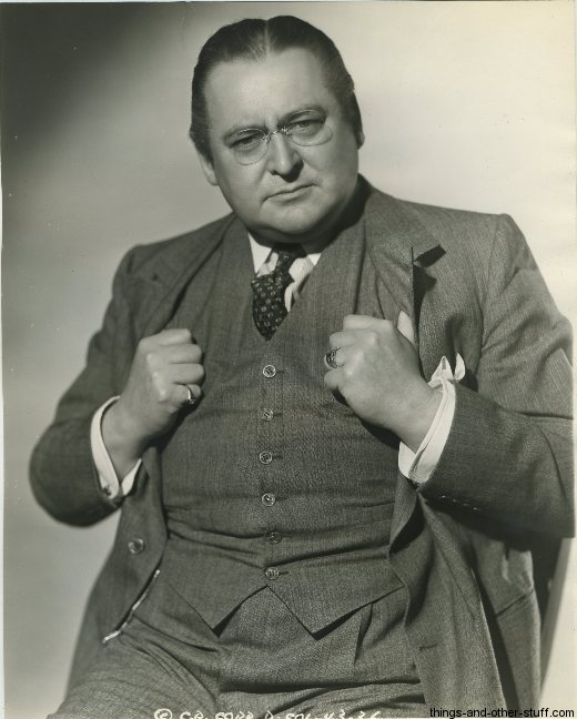 everyone who s not the marx brothers edward arnold a well known character actor later in the 30s by virtue of key roles in frank capra films like you can t take it you and mr smith goes