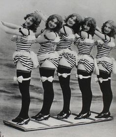 Burlesque chorus ca. 1907