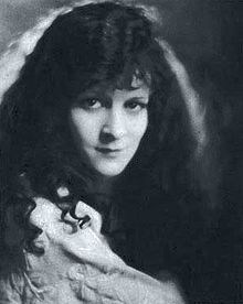 220px-Carol_Dempster_from_Stars_of_the_Photoplay