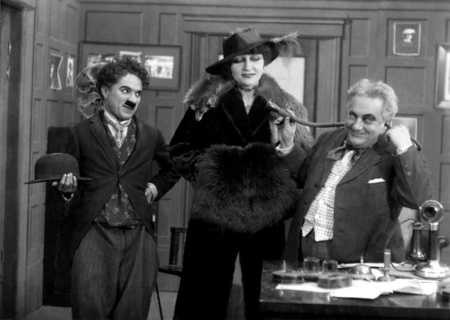 Chaplin,_Charlie_(His_New_Job)_02
