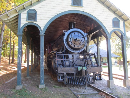 Rail_Locomotive_No_220,_Shelburne_Museum,_Shelburne_VT