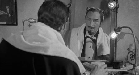 Vincent Price IS
