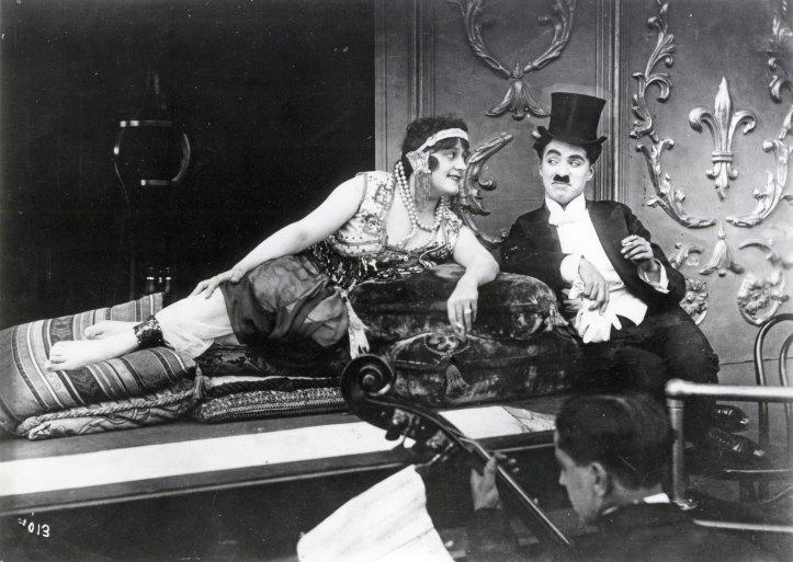 zoom_1418769103_A_Night_In_the_Show_-_Chaplin_Restored_program@2x