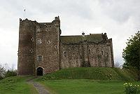 200px-Doune_Castle_-_front