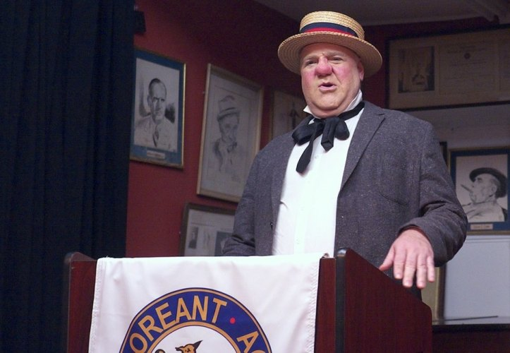 "Glen Heroy as ""W.C. Fields for President"". Photograph by Jonathan Smith"