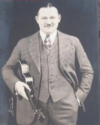 vintage-1920s-authentic-signed-photo-bobby-uke_1_645d24fee8cb38bbb6df29b26285f182